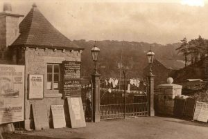Pier Gatehouse in 1914
